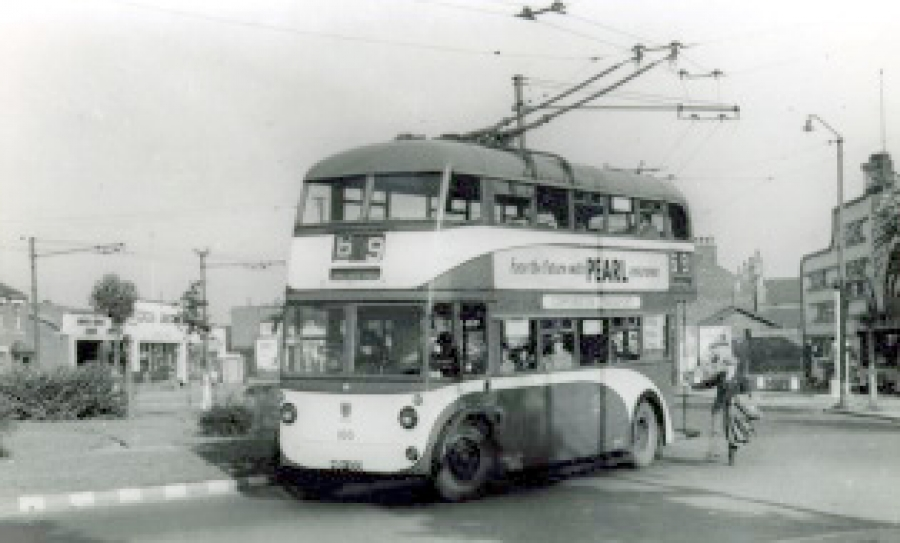 Boothferry Road roundabout 25 Sept 1958
