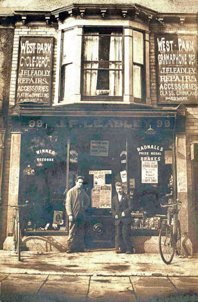 Walton Street, 99, Leadley shop, 1910​.​