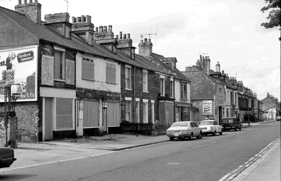 Walton Street, some more shops, 1980​.​