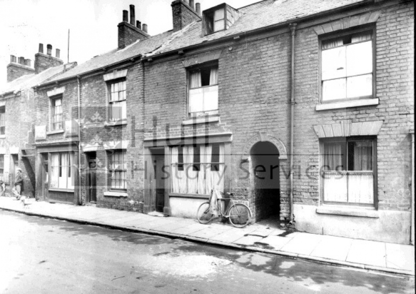 Pease Street, 68-74, 1920s, courtesy of Hull History Services.