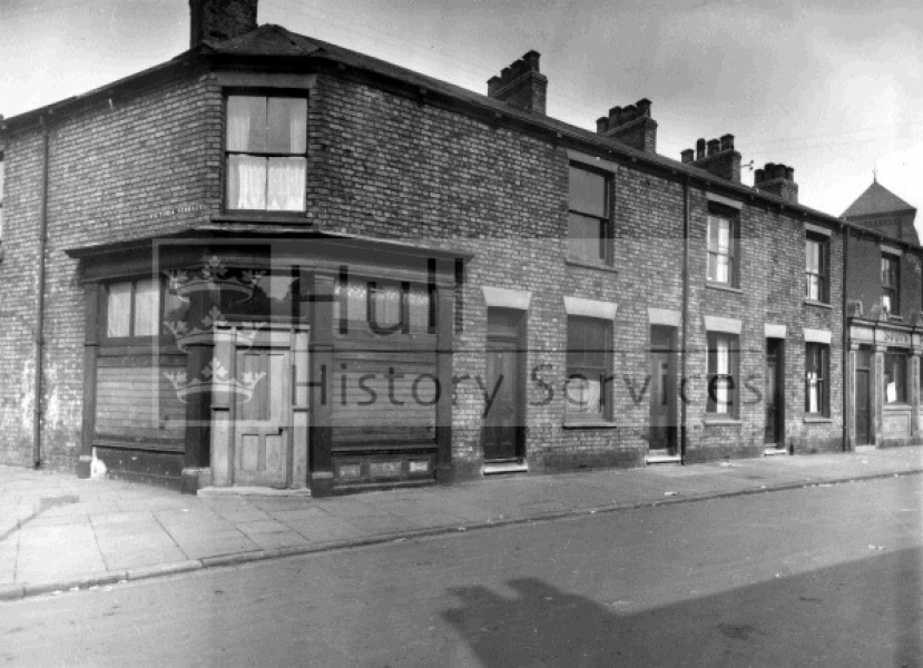 Pease Street, 1920s, courtesy of Hull History Services.