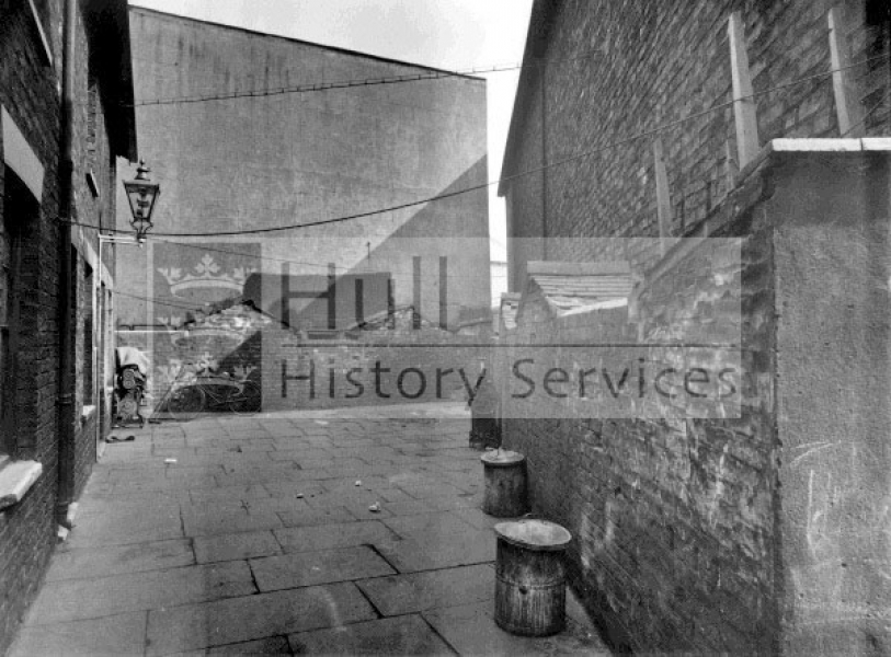 Pease Street, Providence Place, 1920s, courtesy of Hull History Services.