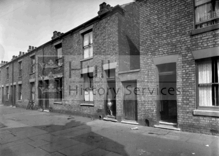 Pease Street, Victoria Terrace, courtesy of Hull History Services.